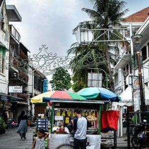 ファタヒラ広場近くでオタ・オタを売っていた屋台