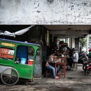Food stall doing business on Hayam Wuruk