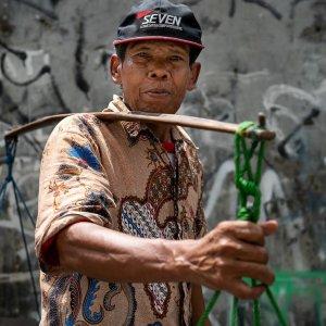 ジャカルタで棒手振りしていた男