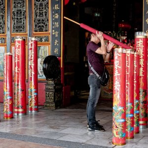 Huge candles in Kaizhang Shengwang Temple