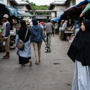 Shoppers in Kanoman Market