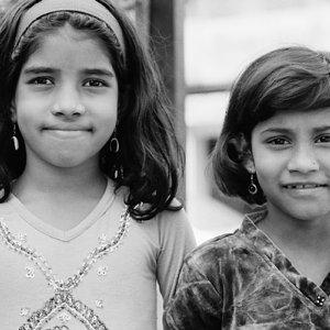 二人の女の子の視線