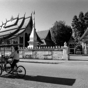 food stall in front of Wat Sop
