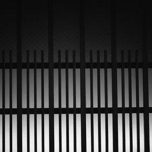 格子窓のシルエット