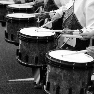 マーチングバンドのドラム