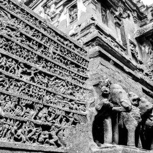 エローラ石窟群のカイラーサナータ寺院の装飾