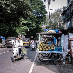 道端のココナッツ・スタンド