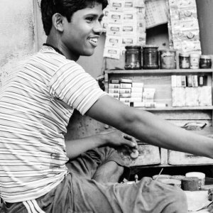 Young tobacconist in Kolkata