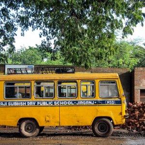 黄色いスクールバス