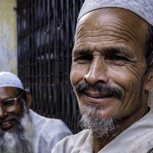 Men wearing taqiyah