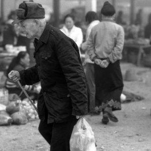 ムアンシンの市場にいた老人