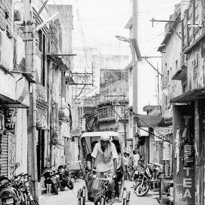Cycle rickshaw coming