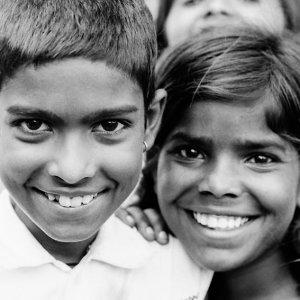 男の子と女の子の笑顔