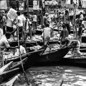 Crowded wharf in Sadarghat