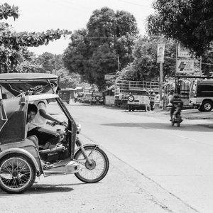 Men on trishaw