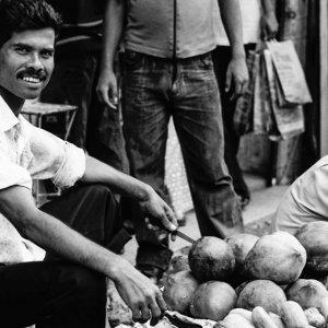 ココナッツを売る男