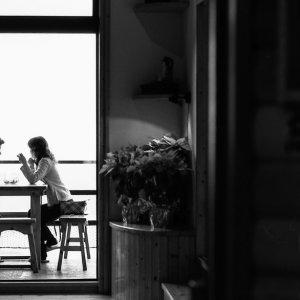 九份のカフェにいたカップル
