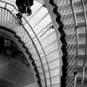 交通会館の螺旋階段