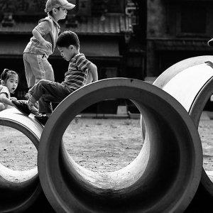 土管と子ども