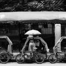 傘付きのトライシクル