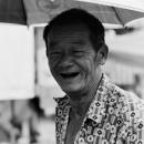 男の皺くちゃの笑顔