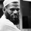 タキーヤを被ったイスラム教徒の男