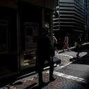 路地の日向