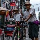 ヤンゴンの街宣車