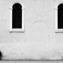 ふたつの窓と少年