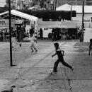 小さな広場のフットボール