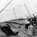 テントの中の昼寝