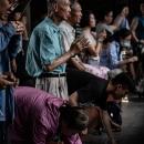 龍山寺は地元の人の信仰を集めている