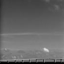 ビーチパラソルと与那覇前浜と来間大橋