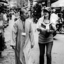 若い尼僧と女の子
