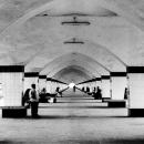 コムラプール駅の長いプラットフォーム