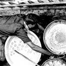 屋台の丸い鍋