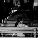 マニラ大聖堂の中にいた女