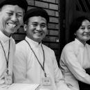 笑うカオダイ教徒