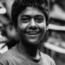 10代の少年の笑顔