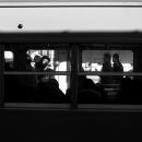 停車中の電車の窓