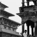寺院の軒先
