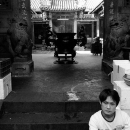 ゴミゴミした路地にあった寺院の入り口