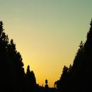 夕日の中の大村益次郎像