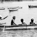 ボートに乗った4人の男