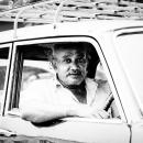 タクシー運転手の気弱な顔