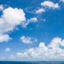 水平線と青い空