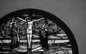 カトリック中町教会のステンドグラス
