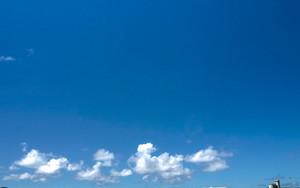 波照間島星空観測タワーと雲