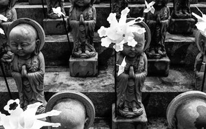 Jizo Pressing Hands Together In Senkyo-ji