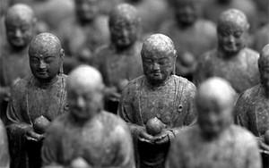 仏像の大群